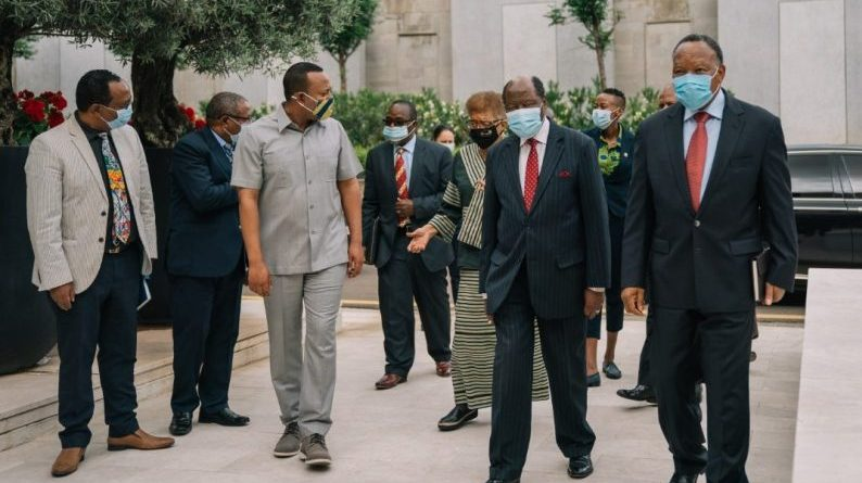 Abiy Meets African Union Envoys over Tigray Issue